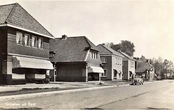 Photo: Stationsstraat, de winkels van Leever en Okken