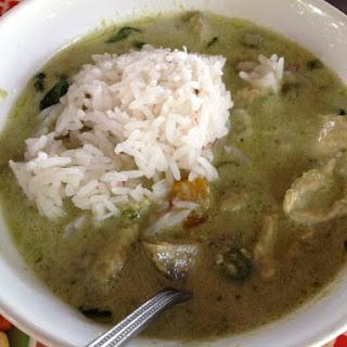 Chicken Green Curry {Kaeng Kiao Waan Gai}