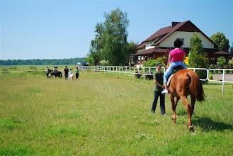 Photo: a pierwsi odważni już na koniach i kucykach