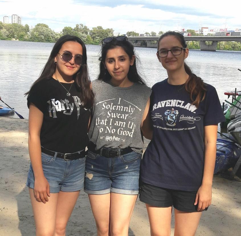 Karolína s kamarádkami ze stáže na Ukrajině