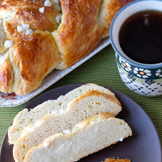 Finnish Pulla {Cardamom Coffee Braid} #ChristmasWeek