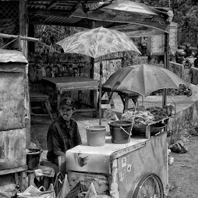 "by Ayah Adit Qunyit - City,  Street & Park  Markets & Shops ( ""pwcmarkets"" )"