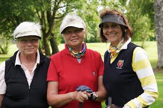 Photo: Die Top-Seniorinnen: Monika Peter, Traudl Mitzel, Anneliese Hartwig.