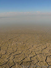 Photo: Solná pánev v Etoshe / Salt pan in Etosha