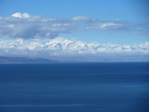 Photo: Titicacasee: Cordillera real