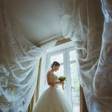 Wedding photographer Oksana Benyaminova (Anasko). Photo of 19.09.2013