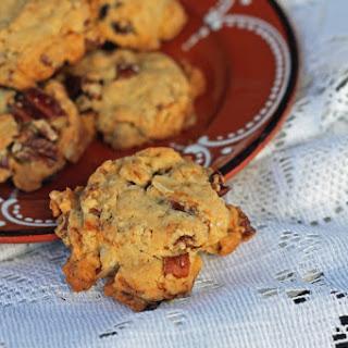 Crunchy Pecan Date Cookies