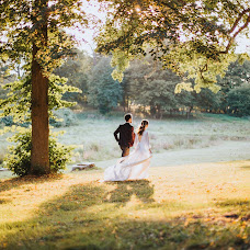 Wedding photographer Yana Shikht (collectmoments). Photo of 05.10.2016