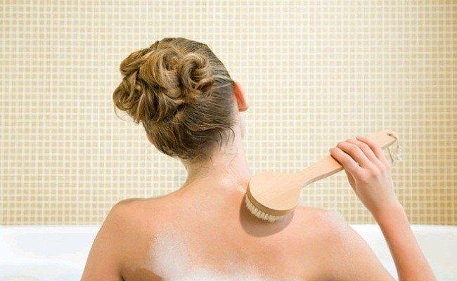 Tắm vào buổi sáng sớm là thời gian thích hợp nhất trong ngày