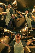 Photo: Energetic Fishmonger of Indonesia かわいい かわいい さかなやさん