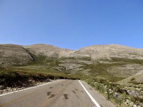 Photo: 12.Nad nami Mt. Ida (zwana też na mapach od pasma górskiego - Psiloritis - Ψηλορείτης - lub Timios Stavros - Święty Krzyż, 2456 m), która jest najwyższym szczytem całej Krety i celem naszej dzisiejszej wycieczki.