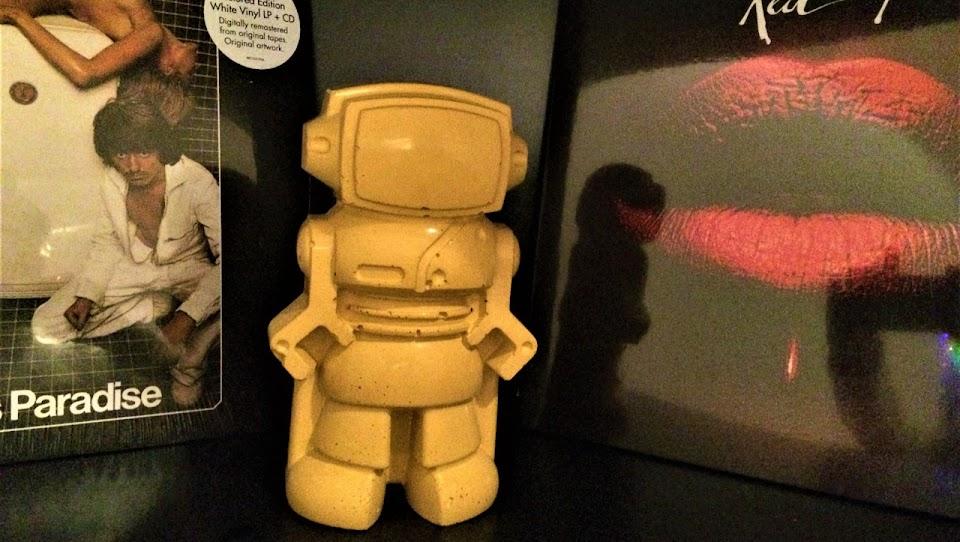 Figurine déco en béton - Robot jaune