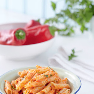 Penne pasta with Florina red peppers pesto.