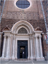 Photo: Barrio de Cannareggio. Iglesia de San Giovanni e Paolo Venecia http://www.viajesenfamilia.it/