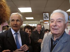 Photo: Premier arrivé, Monsieur Aschiéri, maire de Mouans Sartoux.