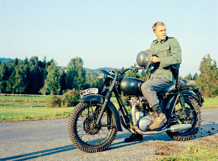 American actor Steve McQueen (1930 - 1980) in the Great Escape
