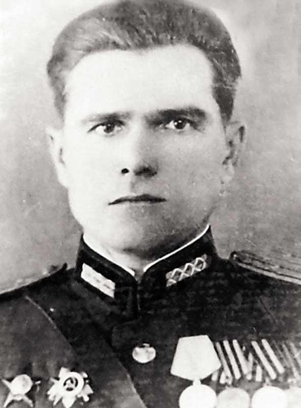 Парахневич Ф.П. - гв. кап-н, пом.нач.штаба по разведке 400 лап 133 сд