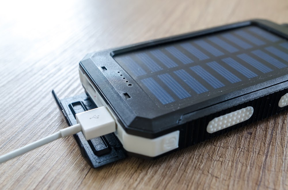 portable-chargers-travel-essentials-what-to-wear-in-goa_image