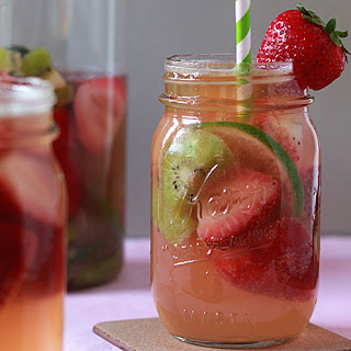 White Strawberry-Kiwi Sangria