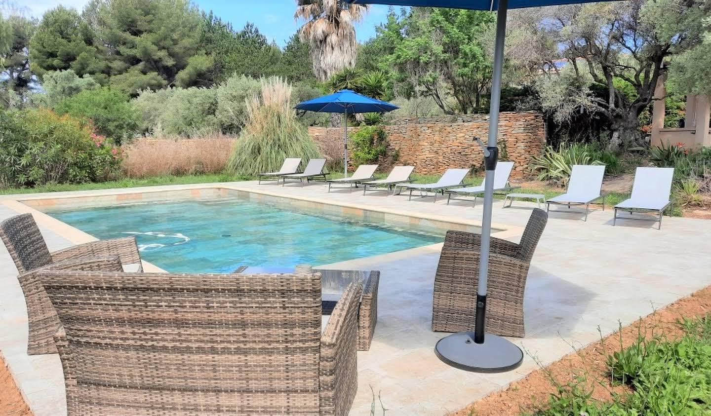 Villa avec piscine en bord de mer La Cadière-d'Azur