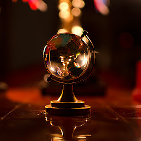 'The Retro' by Nirupam Roy - Artistic Objects Other Objects ( nirupam, artistic, table, globe, top )