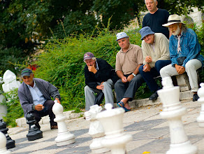 Photo: escacs en viu a la plaça, Sarajevo, BiH