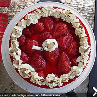 Beeren - Quark - Torte mit Sektgelee