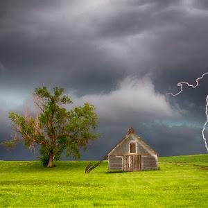 PW_Gust-Front-Lightning_S.jpg