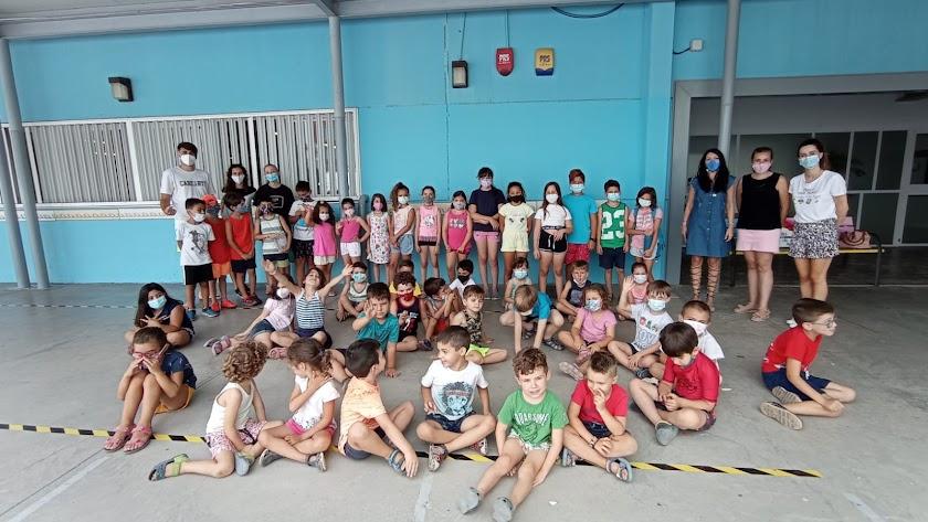 Alumnos de la Escuela de Verano en el CEIP La Jarilla