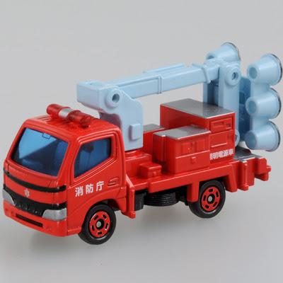 Xe cứu hỏa Tomica cung cấp vòi nước