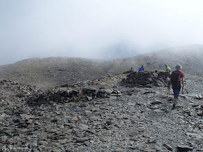 Photo: Cerca de la cima hay numerosos vivacs para refugiarse del frío y del viento