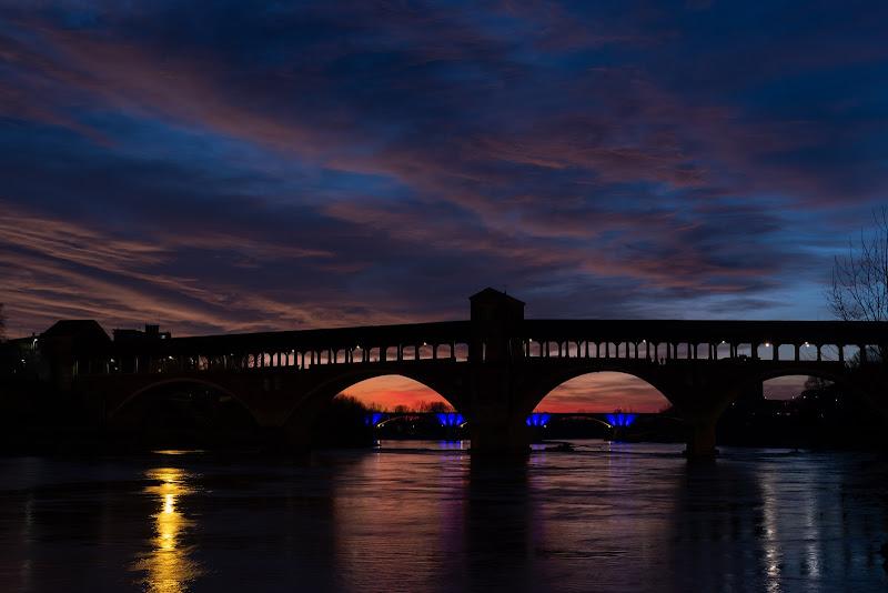 Attraverso il ponte... il buio avanza di Concetta Caracciolo