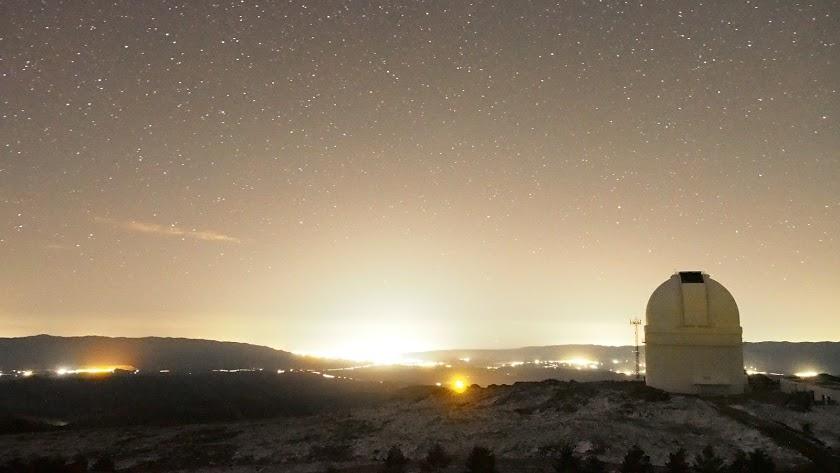 Luz que refleja la ciudad de Almería, vista desde Calar Alto.