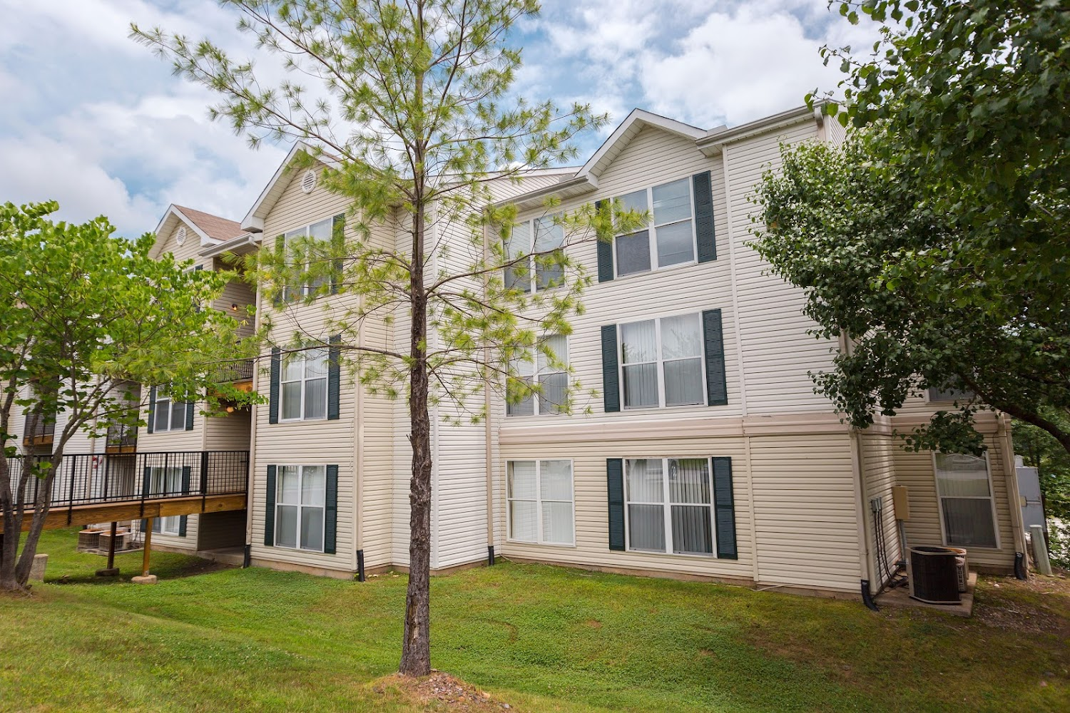 Westridge place apartments in little rock arkansas for 3 bedroom apartments in little rock ar