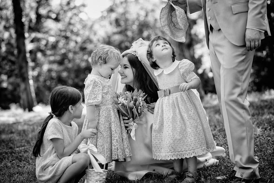 Wedding photographer Marius Barbulescu (mariusbarbulescu). Photo of 08.04.2016