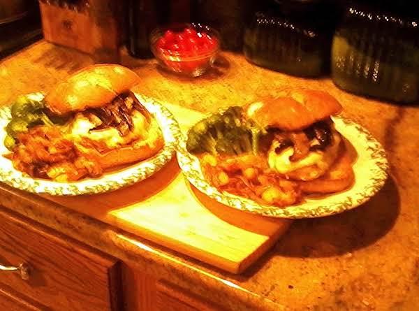 Gorgonzola&provolone With Portobello Mushrooms Burgers