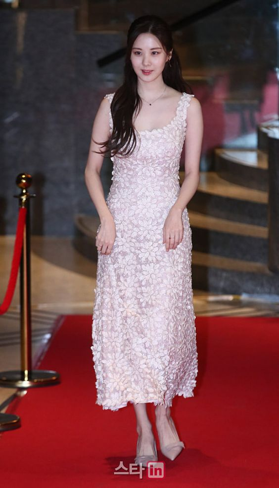 seohyun gown 34