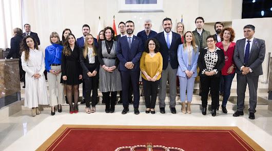 """Doce nuevos funcionarios que trabajarán para """"mejorar Almería"""""""