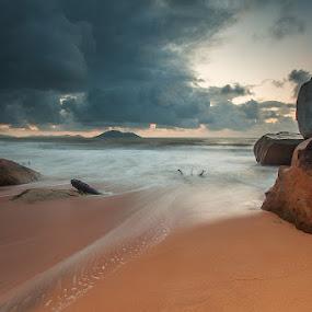 The cloud by Kosmas Fikie Aryadi - Landscapes Weather ( indonesia, seascape, singkawang, kalimantanbarat )
