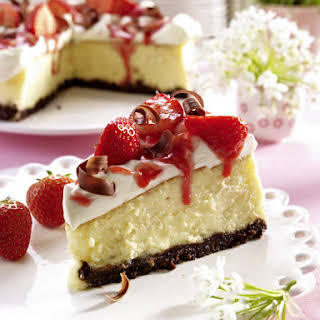 Strawberry Cheesecake with Chocolate Cookie Crust.