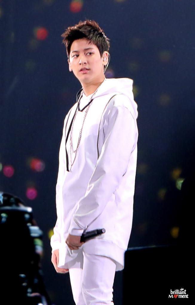 jung-chan-woo-singer-50186a9c-a62e-4999-bf3a-7ea08776f7b-resize-750