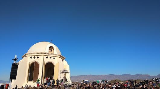 Más de 4.000 almerienses acompañan a la Virgen del Mar en su romería