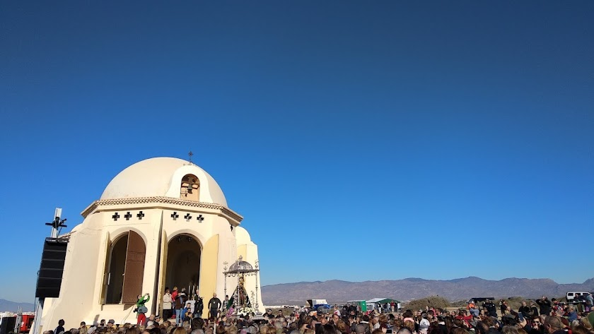 Llegada de la imagen de la Virgen del Mar a su ermita en Torregarcía.