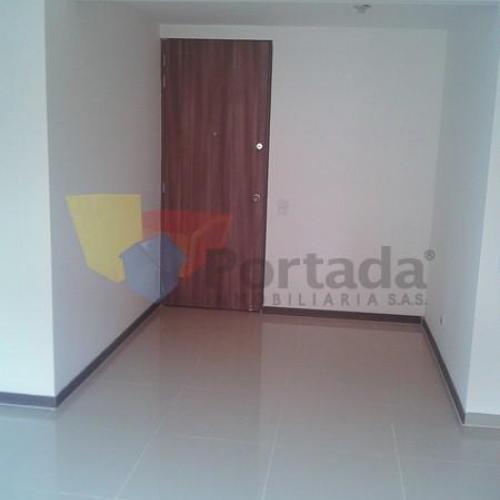 apartamento en arriendo san german 679-7558