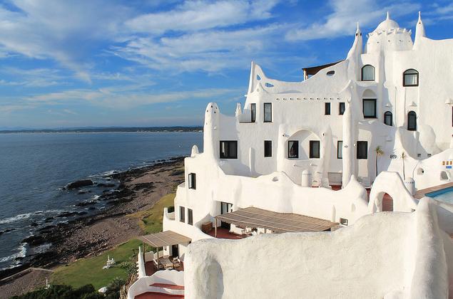 foto de Casapueblo, no Uruguai, para e-mail marketing