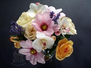 Photo: Flowers from waper paper Rosen, Schmuckkörbchen und Orchideen aus Wafer Paper - Esspapier