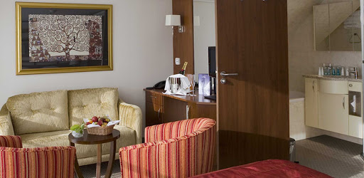 amalyra-living-room.jpg - The living area in a stateroom on AmaWaterways' AmaLyra.
