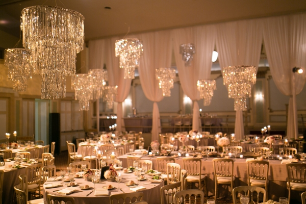 Modern-Reception-with-Chandeliers-600x400.jpg