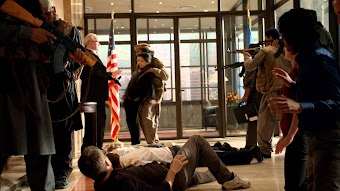 大使館襲撃