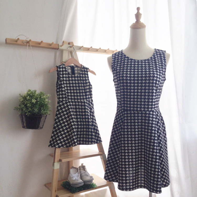 [2 pieces] Hounds Tooth Sleeveless Dress for Mom and Princess by Purple Grape Garment